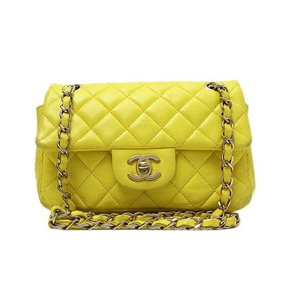 chanel-mini-matelasse-chain-shoulder-bag-2