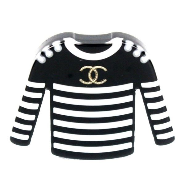 chanel-2018-sweater-brooch-pin-cc-logo-pearl-black-white-stripes-new