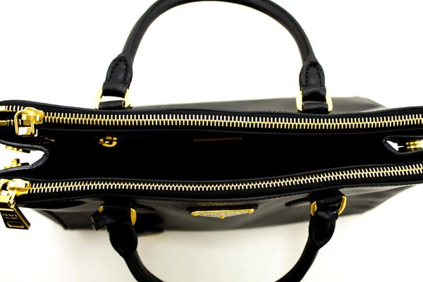 prada-saffiano-lux-handbag-leather-black-gold-hardware-calfskin
