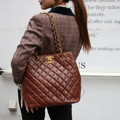 chanel-big-turn-lock-chain-tote-bag-brown
