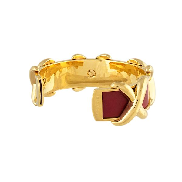 hermes-gold-plate-and-leather-cuff