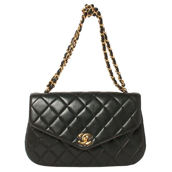 chanel-v-flap-cc-mark-turn-lock-plate-design-chain-handbag-black