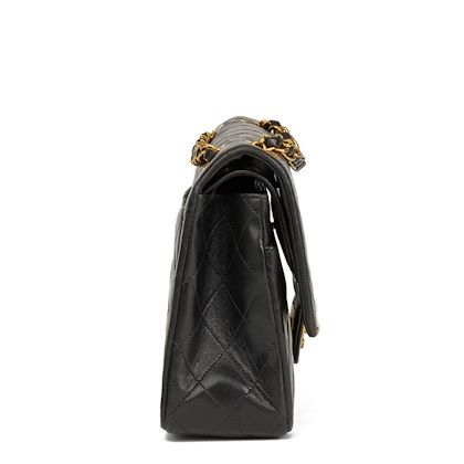 black-quilted-lambskin-vintage-medium-classic-double-flap-bag-42