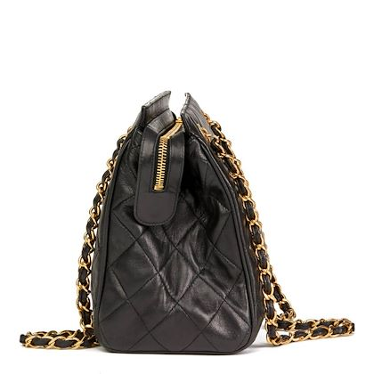 black-quilted-lambskin-vintage-timeless-shoulder-bag-2