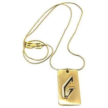 givenchy-1970s-gold-plated-g-logo-pendant-necklace-2