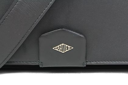 cartier-2600-black-leather-messenger-bag-unisex-louis-carter-shoulder-strap-pre-owned-used