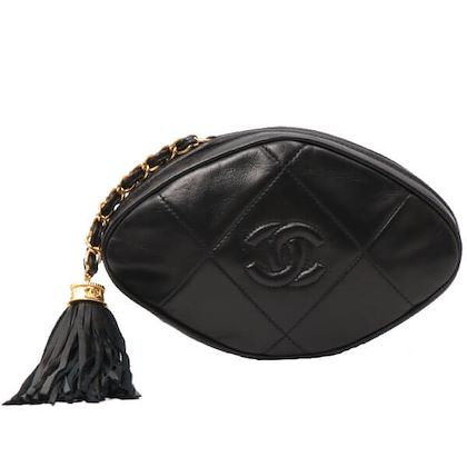 chanel-cc-mark-stitch-fringe-clutch-bag-black