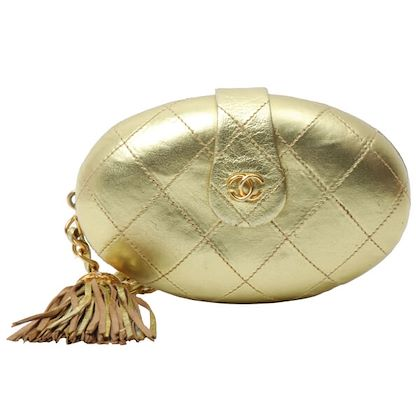 chanel-cc-mark-plate-fringe-mini-clutch-bag-gold