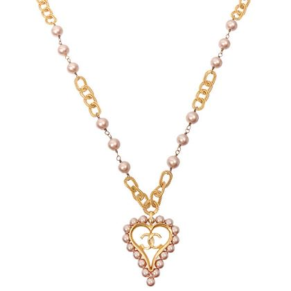 chanel-pearl-heart-cc-mark-necklace-pink