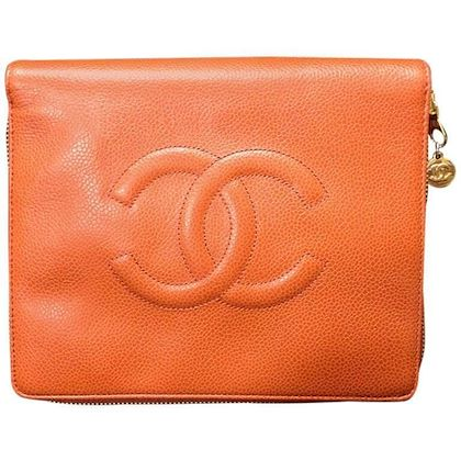 mint-90s-vintage-chanel-orange-caviarskin-travel-and-cosmetic-case-pouch-mini-bag-best-jewelry-case-for-your-trip