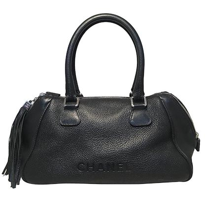 chanel-black-leather-zip-and-tassel-pull-tote-bag