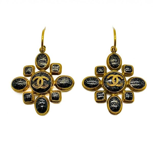 vintage-chanel-maltese-cross-logo-earrings-gripoix-and-gold-2011