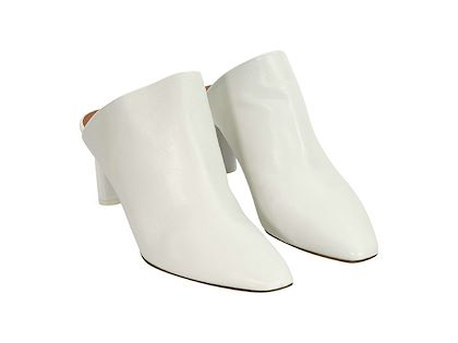 white-vetements-leather-mules