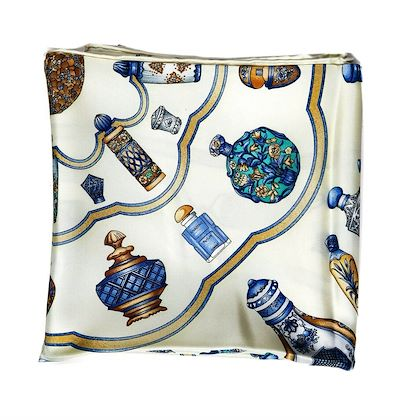 hermes-scarf-white-vase-quimporte-le-flacon-90-cm-pre-owned-used