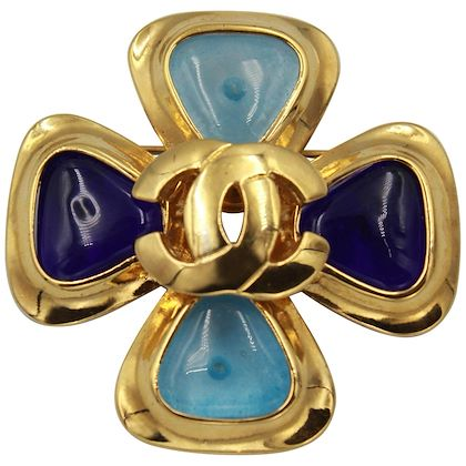 vintage-1997-gold-plated-chanel-brooch-with-gripoix-colored-stones