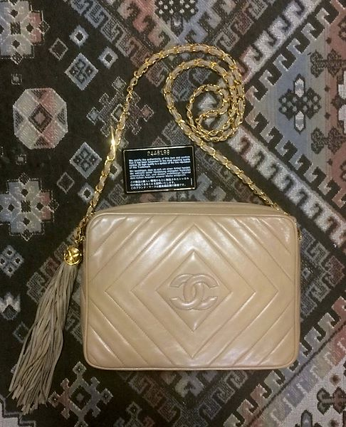262f583a4b0b Reserved for Mallory. Vintage Chanel beige lamb leather 2.55 camera ...