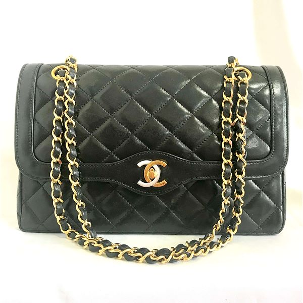 792782e49797 Vintage Chanel black 2.55 classic double flap bag with gold and ...