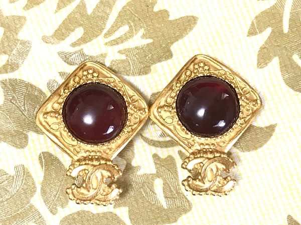 vintage-chanel-golden-square-frame-and-wine-red-round-gripoix-glass-stone-earrings-with-cc-mark-beautiful-and-rare-jewelry