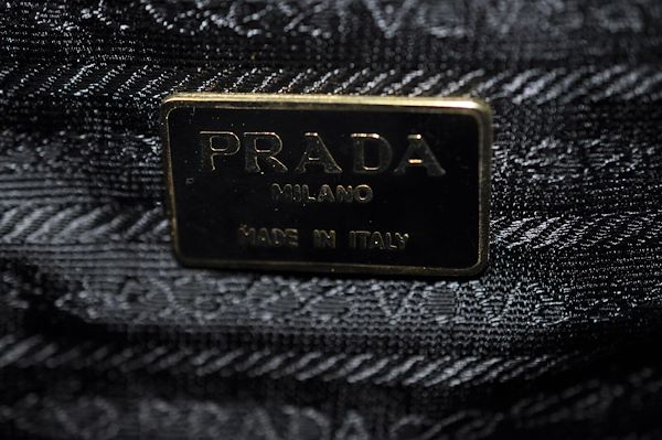 prada-enamel-shoulder-bag