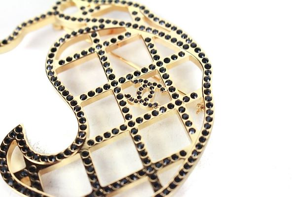 chanel-2017-coco-chanels-face-pin-large-brooch-cc-gold-black-crystal-new