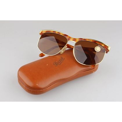 persol-vintage-sunglasses-unisex-gold-and-brown-mod-u463-135-wide