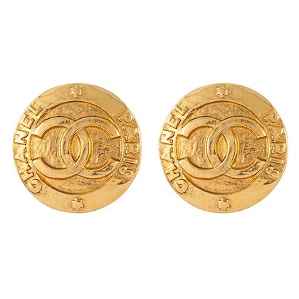 1980s-vintage-chanel-large-statement-earrings