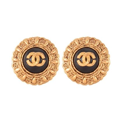 1990s-vintage-chanel-black-lucite-clip-on-earrings