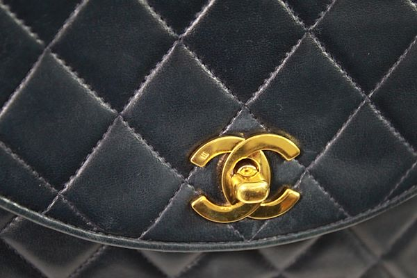 chanel-vintage-navy-quilted-leather-crossbody-bag