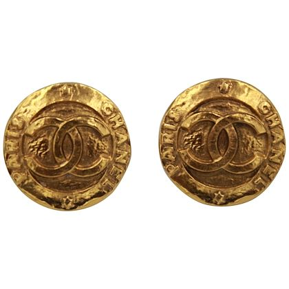90s-chanel-vintage-xl-logo-earrings-in-gold-plated-metal