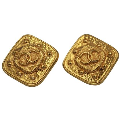 90s-chanel-vintage-square-logo-earrings-in-gold-plated-metal