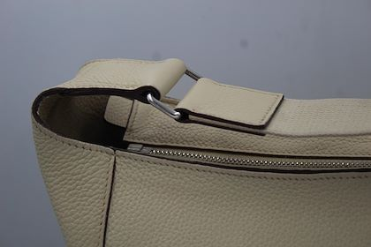 hermes-2008-good-news-messenger-bag-in-beige-clemence-leather