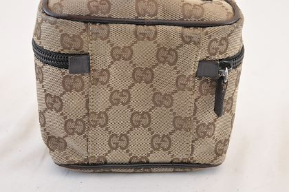 gucci-gg-pouch-clutch-bag-2