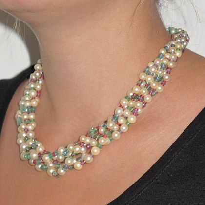 pearl-emerald-sapphire-ruby-spinel-necklace