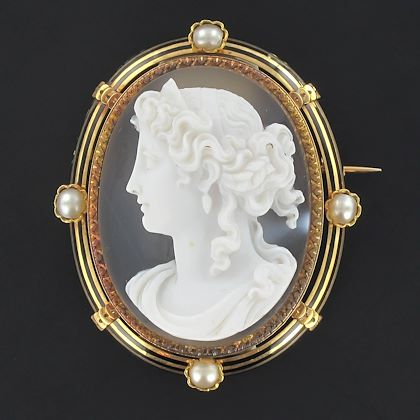 french-antique-fine-perals-and-agate-cameo-brooch