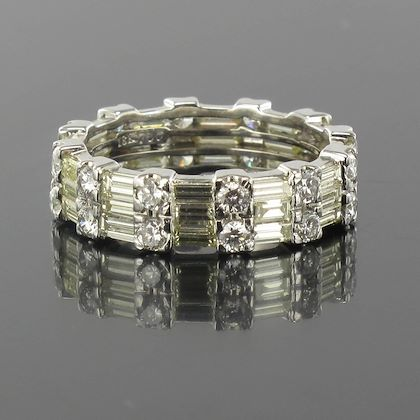 brilliant-and-baguette-diamond-gold-eternity-ring