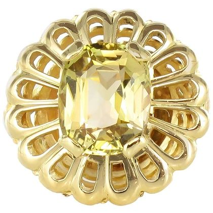 french-retro-yellow-green-color-change-tourmaline-yellow-gold-cocktail-ring