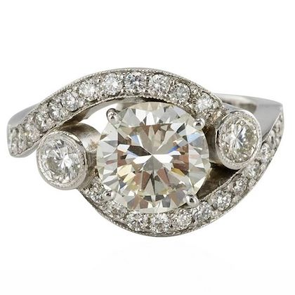 baume-modern-18-karat-white-gold-255-carat-diamond-ring