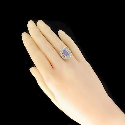 french-1925s-art-deco-sapphire-diamond-platinum-cluster-ring