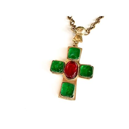 1950s-chanel-by-goosens-byzantine-cross-pendant-necklace