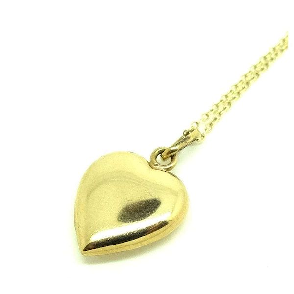 vintage-8ct-yellow-gold-heart-charm-necklace