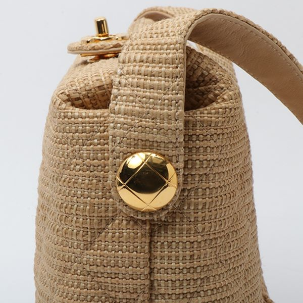 d20119ebb1d0 chanel-straw-turn-lock-shoulder-bag-beige-2