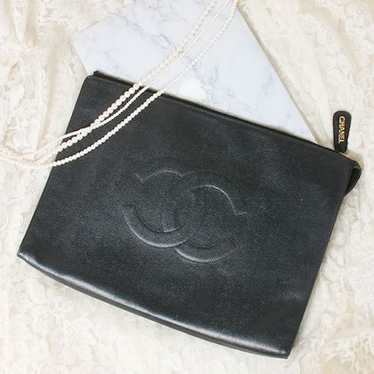 chanel-caviar-skin-cc-mark-stitch-clutch-bag-black