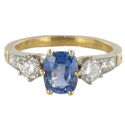 blue-sapphire-and-diamond-ring-2