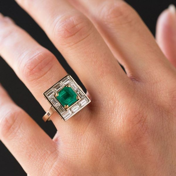 art-deco-colombian-emerald-and-baguette-diamond-ring-2