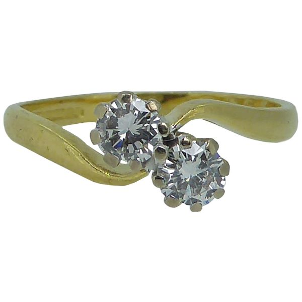 vintage-two-stone-diamond-twist-engagement-ring-in-18-carat-gold