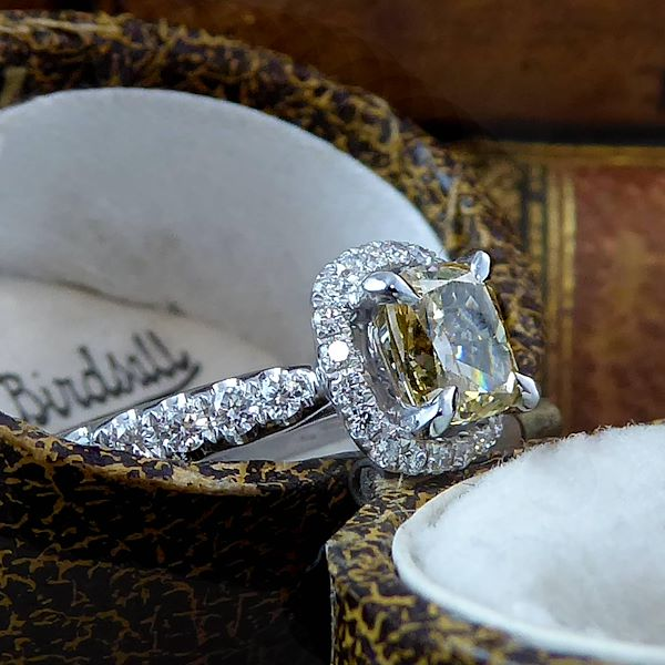 114-carat-yellow-diamond-solitaire-engagement-ring-white-diamond-halo-surround
