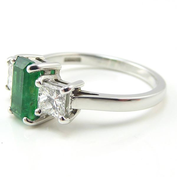 emerald-diamond-three-stone-engagement-ring-18-carat-white-gold-pre-owned