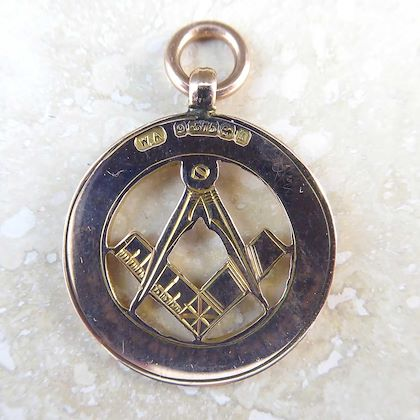 antique-gold-watch-fob-with-freemason-symbolism-birmingham-1911