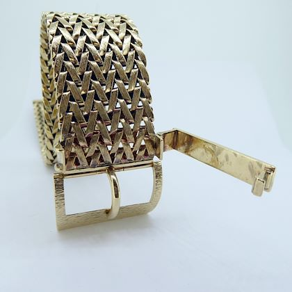 vintage-gold-belt-bracelet-with-mesh-design-and-buckle-fastener-hallmarked-1979