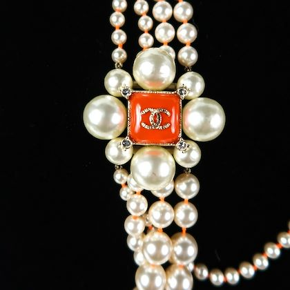 chanel-multistrand-pearl-long-necklace-pink-flower-cc-charm-2014-pre-owned-used